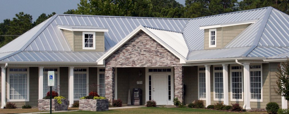 Metal roofing by a professional contractor